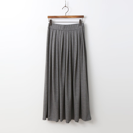 Easy Pleated Long Skirt